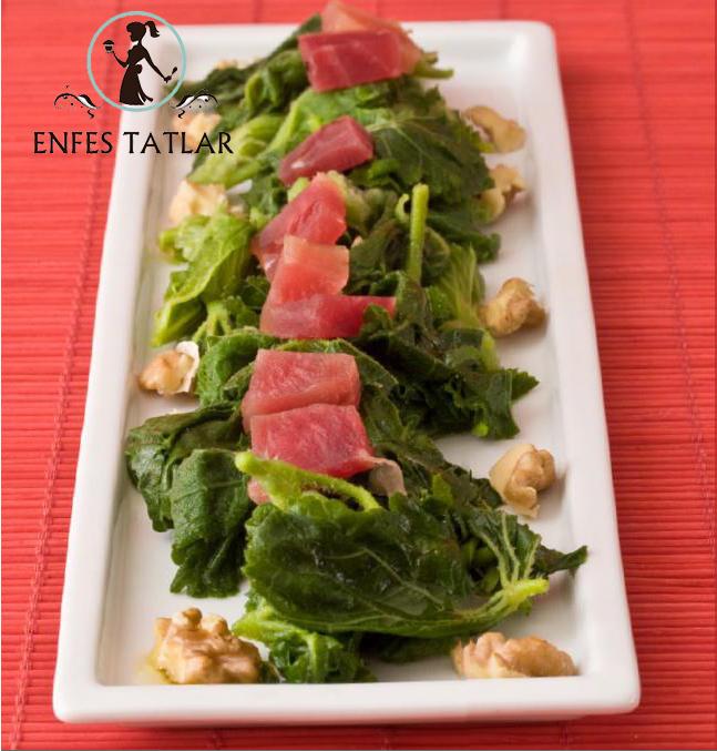 Ebegümeci Salatası