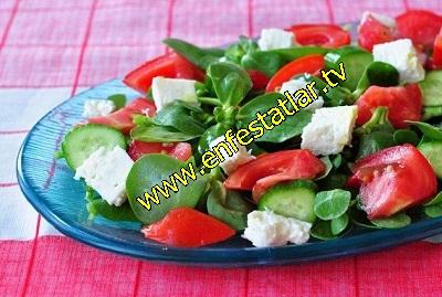 Peynirli Semizotu Salatasi