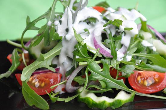 Rokfor Soslu Roka Salatası