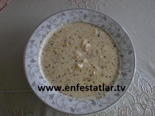 Yoğurtlu Yeşil Mercimekli Erişte Çorbası