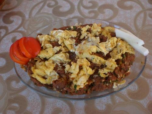 Yumurtalı Çiğ Köfte
